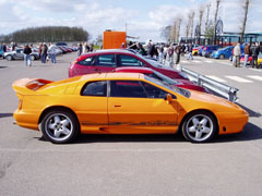 Lotus_Esprit_GT3_Orange_Side