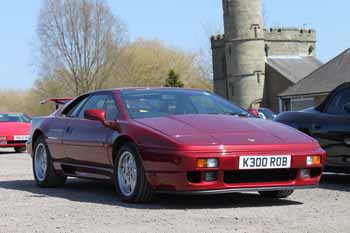 Lotus_Esprit_High-Wing_Burgandy