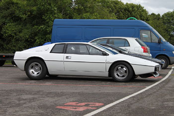 Lotus_Esprit_S1_White_1978