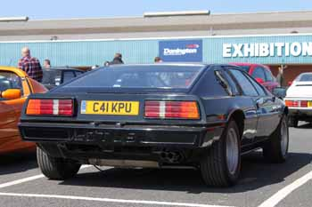 Lotus_Esprit_S3_1985_Black_rear