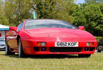 Lotus_Esprit_SE_Red_1990_Front