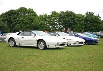 Lotus_Esprit_SE_and_Lotus_Esprit_S350
