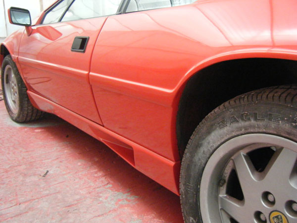 Lotus_Esprit_Spray_Side