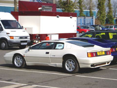 Lotus_Esprit_Stevens_Side