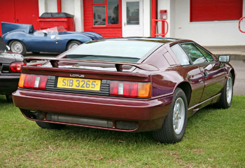 Lotus_Esprit_Turbo_1988_Maroon