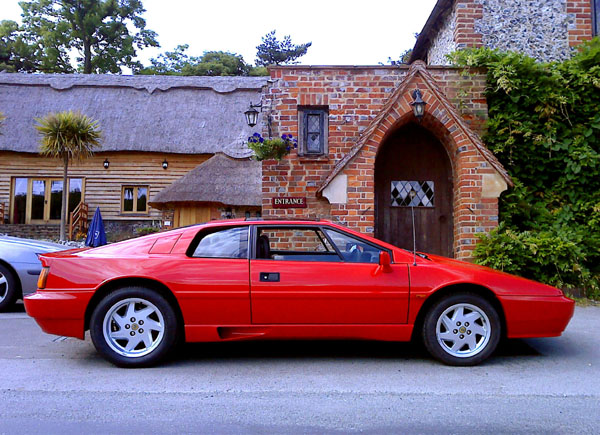 Lotus_Esprit_Turbo_Respray