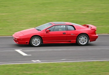 Lotus_Esprit_Turbo_SE_1989_Track