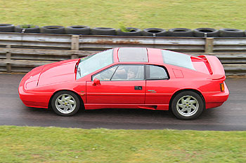 Lotus_Esprit_Turbo_X180_Red_1988