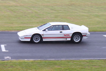 Lotus_Turbo_Esprit_Castle_Combe_Circuit