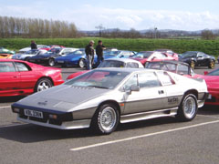 Lotus_Turbo_Esprit_Silver_1981
