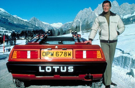 Roger_Moore_Lotus_Turbo_Esprit