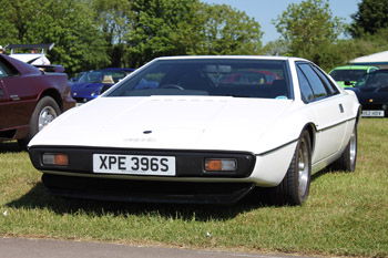 White_Lotus_Esprit_S1